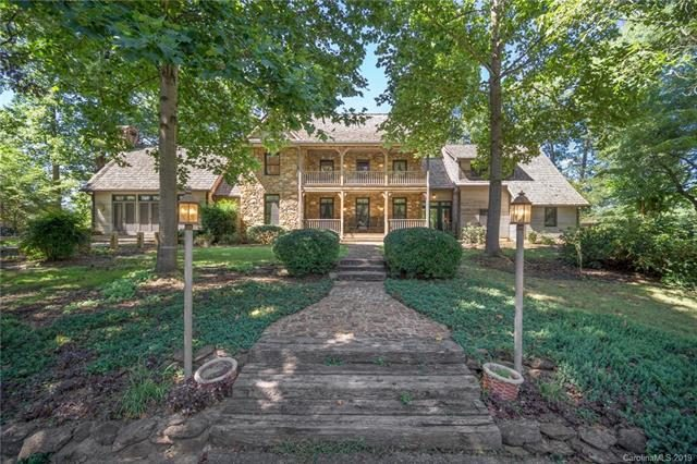 54 acre equestrian paradise – 1061 Honeyhill Lane