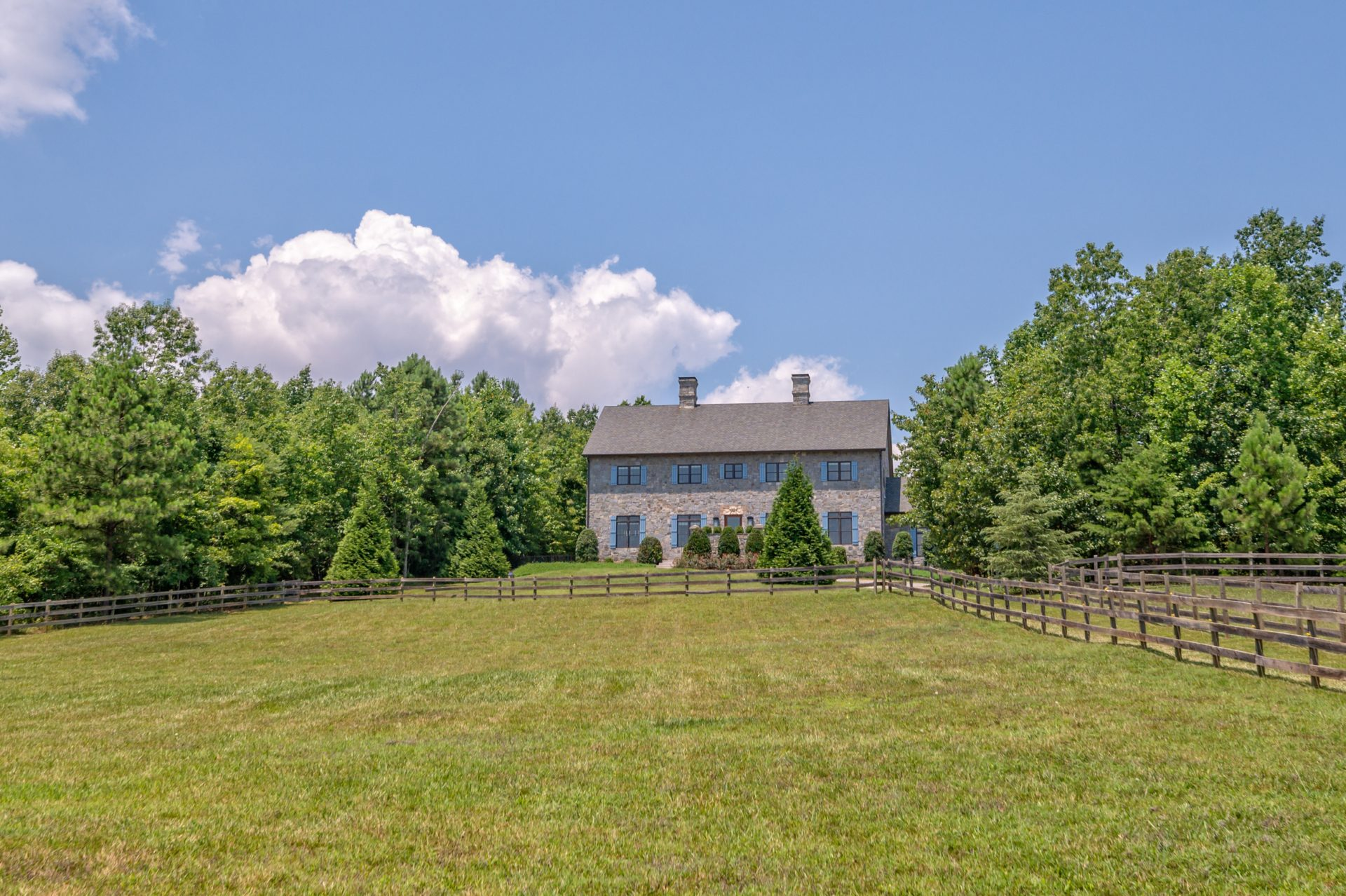 SOLD – Knolland Farm with a barn and CETA access